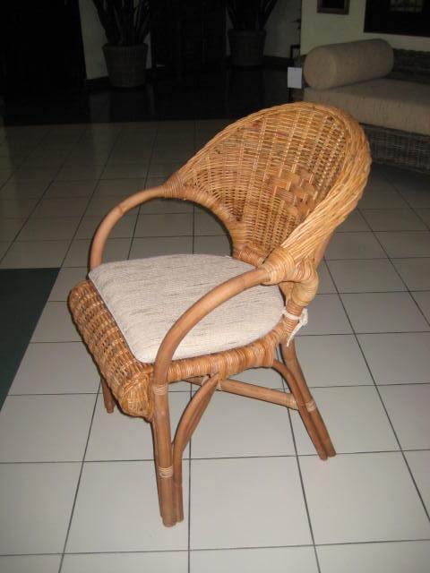 Deze rotan stoel is gemaakt van A kwaliteit Rotan. De stoel is ...